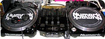 Le pack DJ de DJ Nailbomb, en vente !